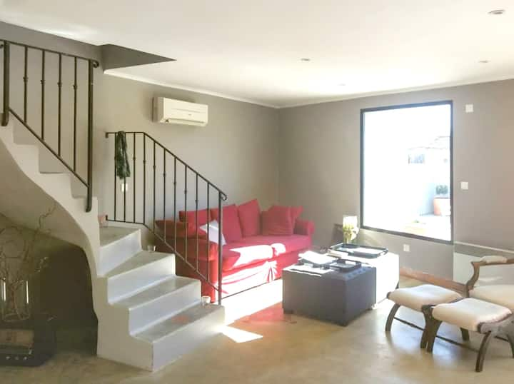 Apartment with 2 bedrooms in Jonquières, with WiFi