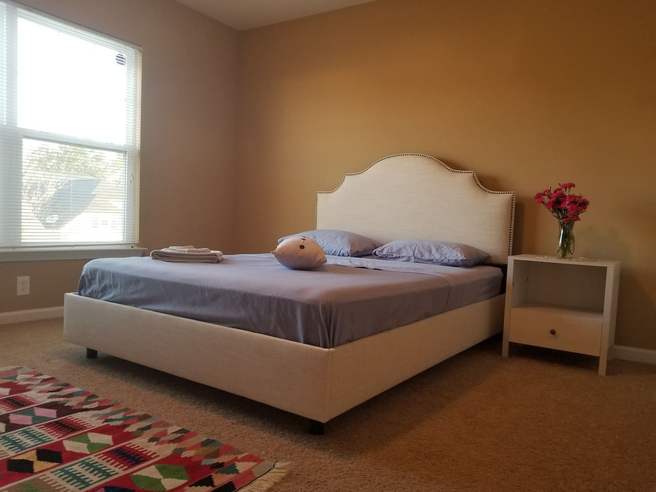In a separate floor, great atmosphere, comfortable, very clean with own AC thermostat, along with big private bathroom.