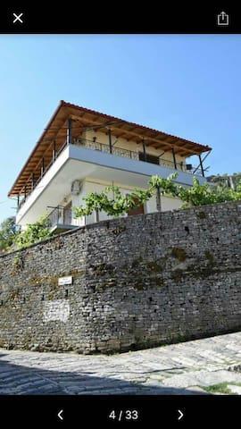Palorto Hause private room castle view kitchenette