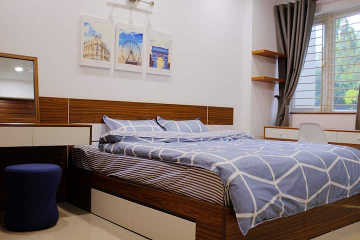 2 Modern Room in the Heart of Saigon Food Paradise