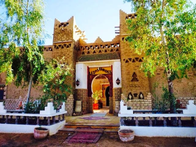 Apartment with 2 bedrooms in Merzouga, with wonderful mountain view, enclosed garden and WiFi