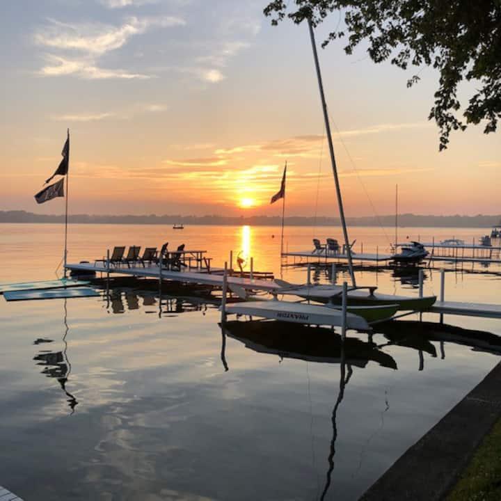 Lake Wawasee waterfront home in Syracuse Indiana