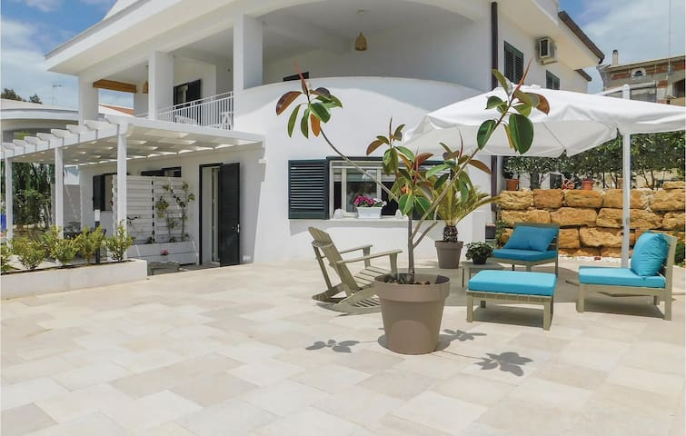 Beautiful home in Sciacca AG with WiFi and 2 Bedrooms