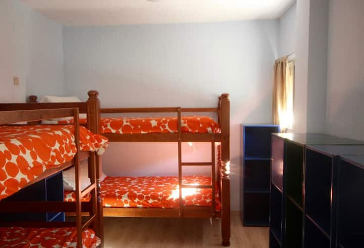 Hostel El Lago Caceres - habitacion cuadruple economica - Tarifa estandar