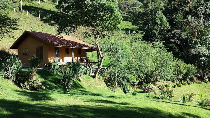Casa do Escritor, em Gonçalves, MG - Gonçalves - Casa