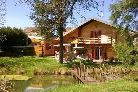 Bed & Breakfast Chalet Les COQUELICOTS