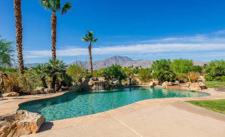 Premier Location! Luxury Villa on Greg Norman Golf - La Quinta - House