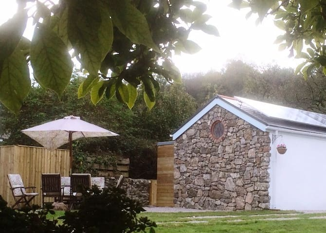 The Cwtch House, Llanrhidian, North Gower - Llanrhidian - Cabin