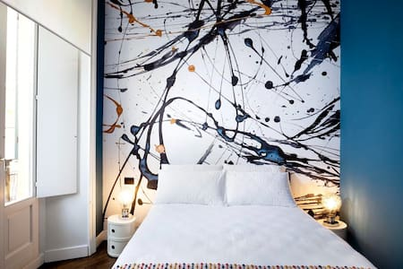 Luxury Designer Downtown Apartment