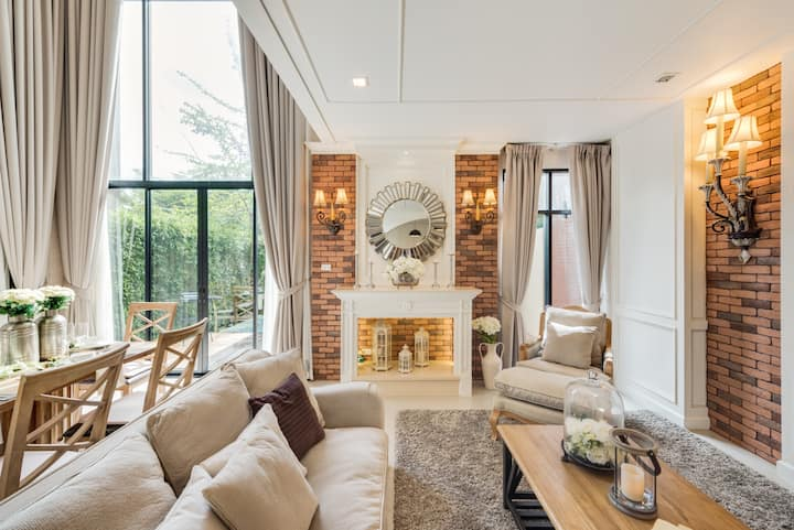Villa Romeo: Stylish Luxury pool villa