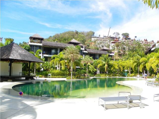 2-Bedroom Poolside Terrace Family  Apartment - Phuket - Appartement
