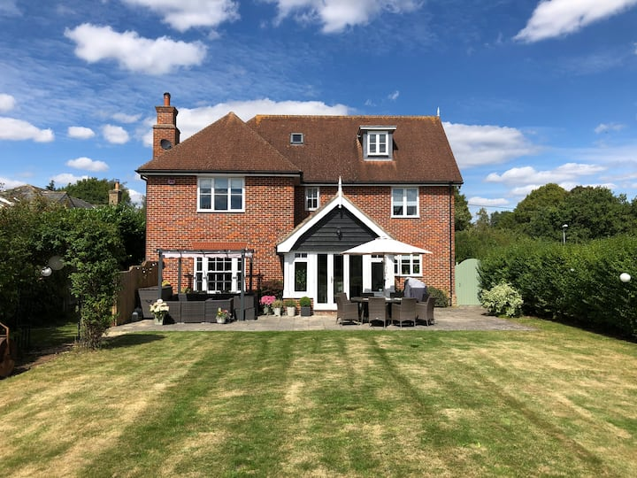 Stunning 5-Bed Home in Constable Country, Suffolk