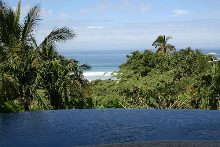Sweet Suite Seclusion by the Sea (6 to 10)