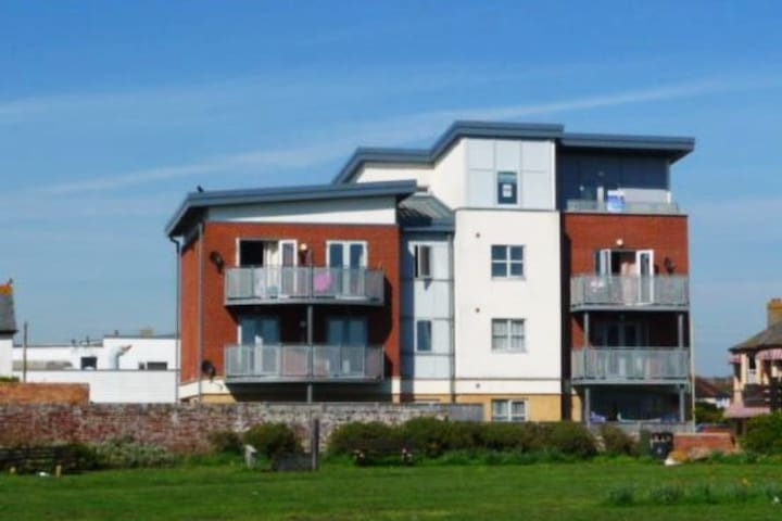 modern 2 bed flat with sea views - Hampshire - Lägenhet
