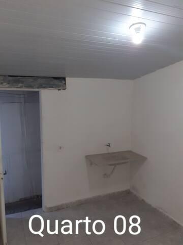 Quartos com banheiros individuais /compartilhados