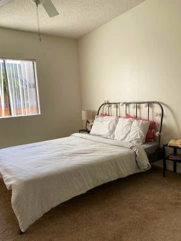 Cozy Home at La Jolla UTC