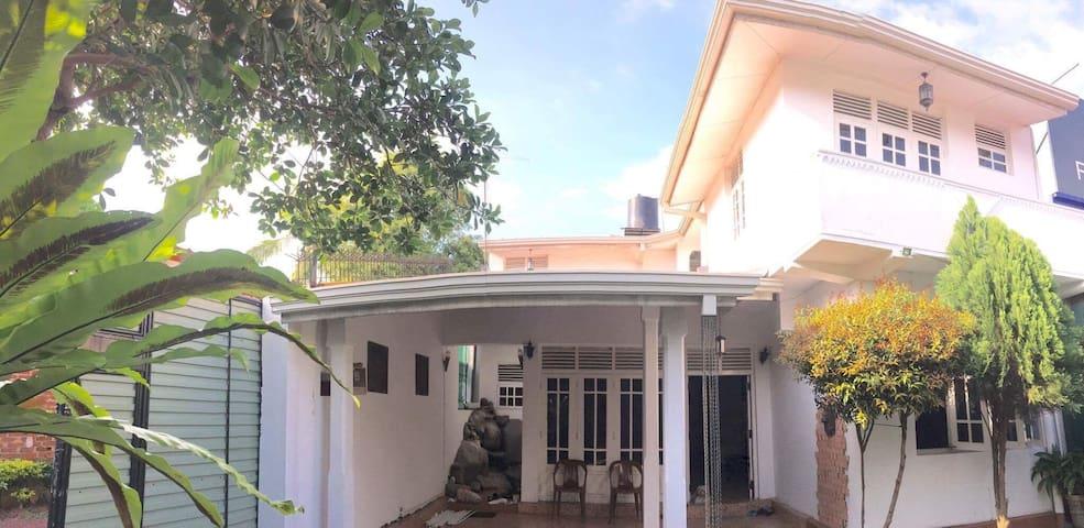 CnP @ Embuldeniya - Nugegoda - Huis