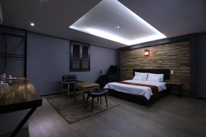 비지니스로 방문하는 고객에게 저렴한 요금으로 최고의 만족을 드리는 이호텔