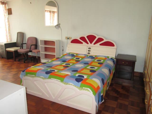 Spacious Master Room for Short and Long Term Stay