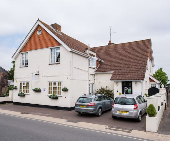 Room 5 at The Maples - Hythe - Bed & Breakfast