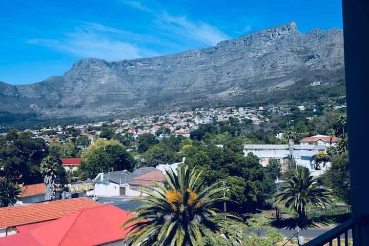 Amazing Table Mountain views from balcony