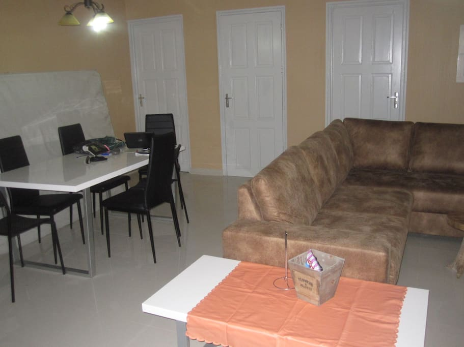 Streetview lux appartement appartementen te huur in for Lux interieur suriname