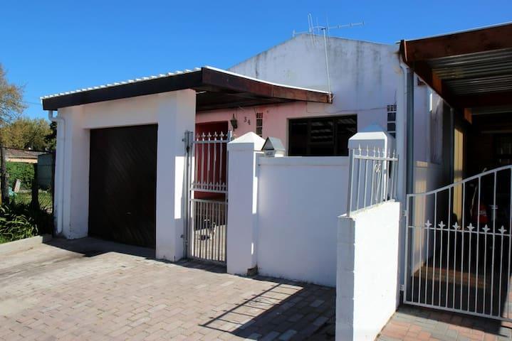 Lady's Langa Township Homestay!