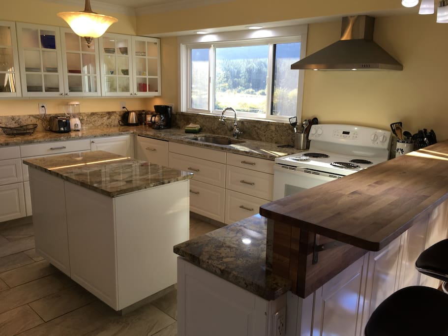 Second Floor Kitchen with Bar Counter and all Amenities