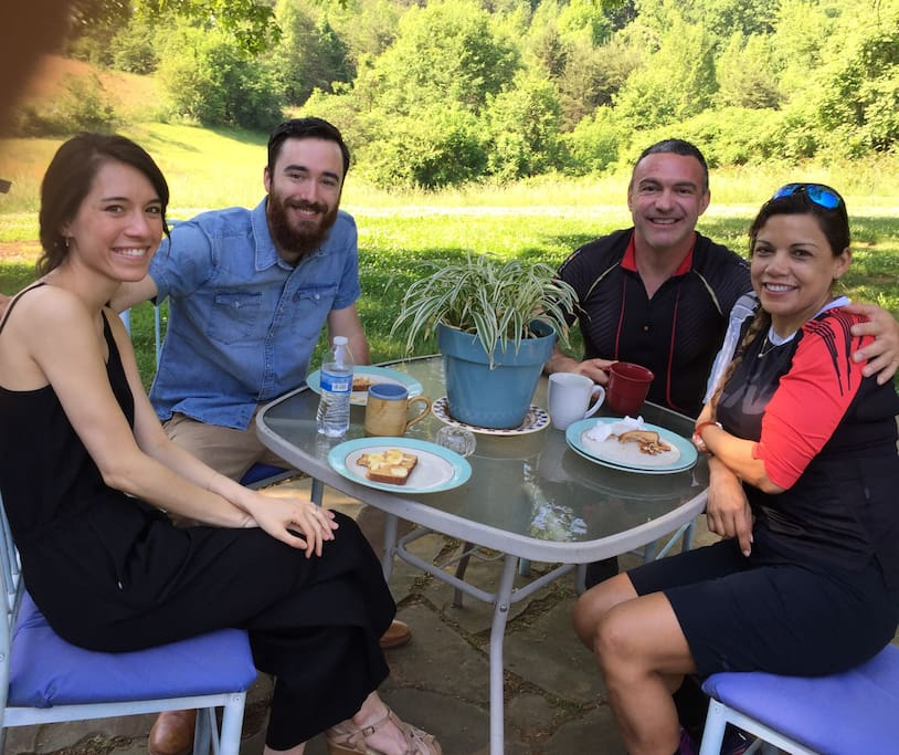 You'll enjoy having coffee on the patio, where you might meet other guests staying in the other guest room. It's a great opportunity to share travel stories and make new friends from all over the world.