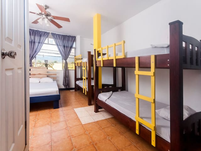 Habitación P/ 6 personas con Ventilador