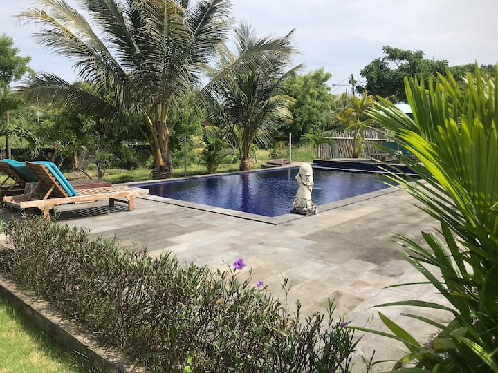 TWO ROOMS COZY HOUSE 5 min TO SULUBAN BEACH