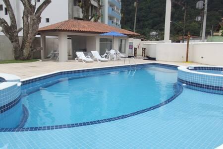 Enseada - Ubatuba, 2 dorm, piscina, próx. a praia!