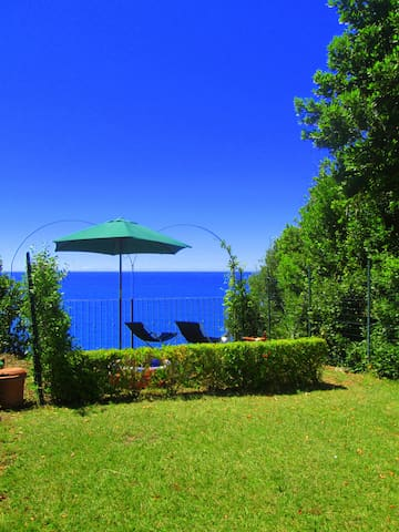 Casa Bruno with seaview garden in Corniglia