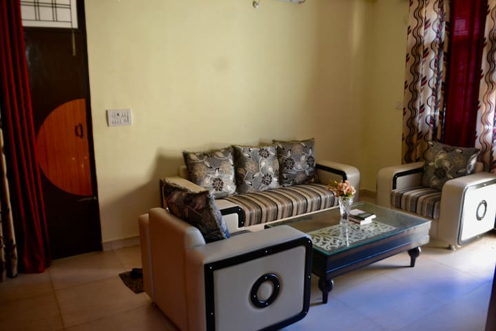 Retreat Yourself in Private Apartment in Tapovan