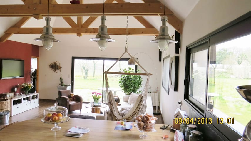 Jolie maison entre terre et ocean - Locoal-Mendon - Ev