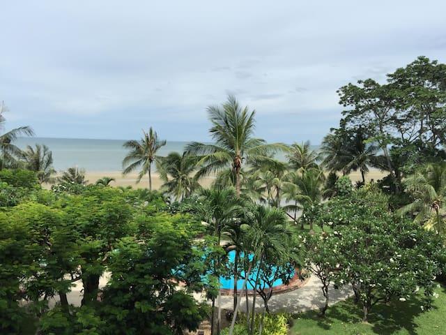 Hua Hin Anantara Luxurious, Comfy home by beach