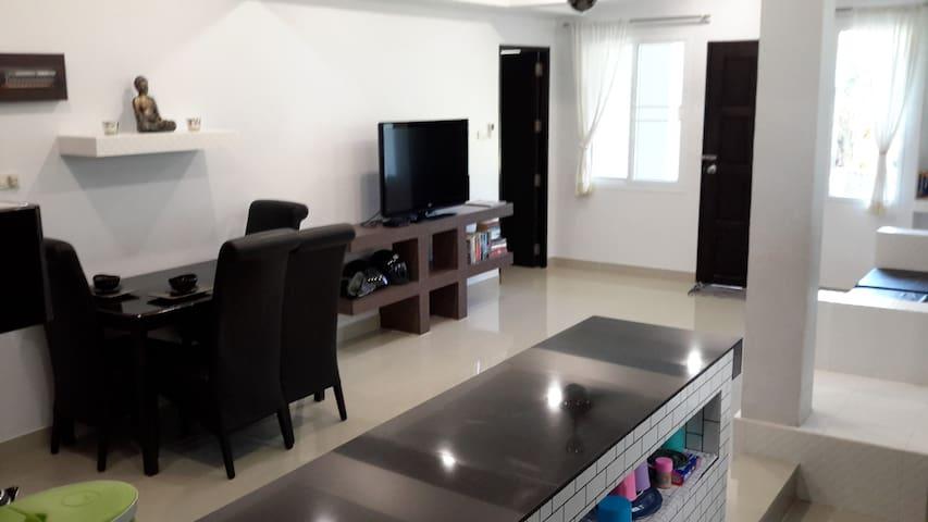 Avarest Apartment, 2bedroom Garden views- Sleeps 5