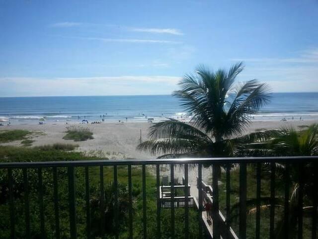 Oceanfront 1 br/2bath Suite/sleeps 4 7/15-7/22/17 - Cocoa Beach - Appartement en résidence