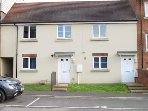 Yeovil    Quiet Coach House close to town centre.