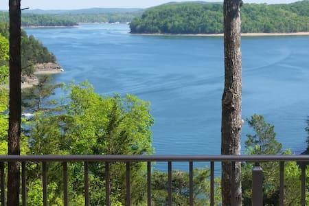 Beautiful Lakefront View Cabin/Lake Cumberland, KY - Jabez