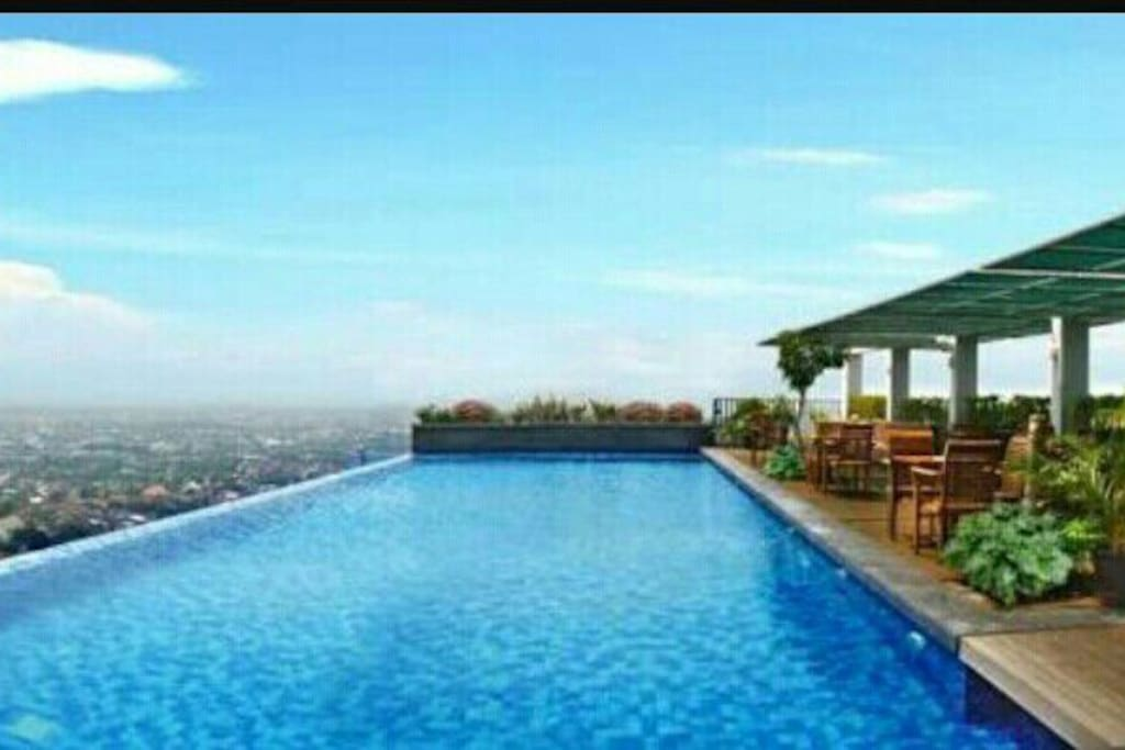 the highest skypool in the city of Semarang, you could see all city n seaview