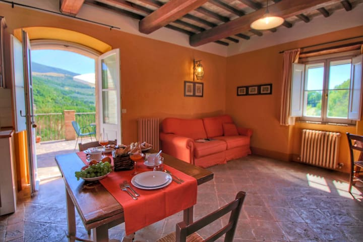 Picturesque Holiday Home in Assisi with Pool