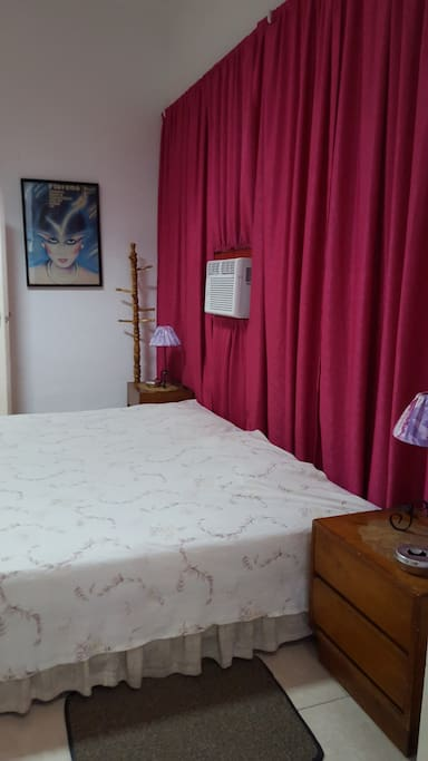 Bedroom-cuarto with big bed , that can be two beds