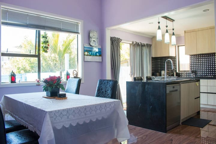 Single room in Ellerslie witin 10K to Auckland CBD
