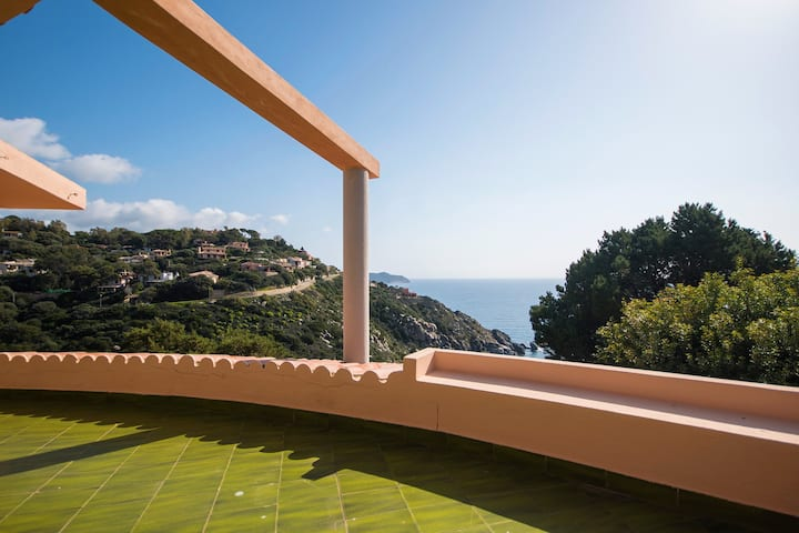 Exclusive Panoramic Villa overlooking the sea!