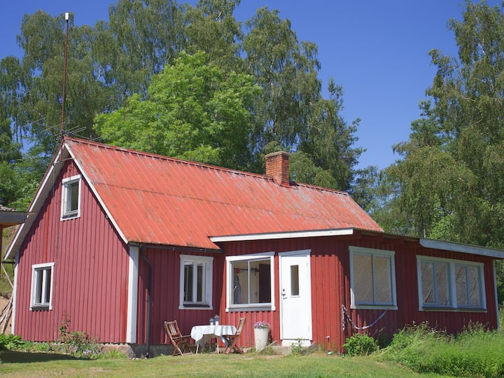 Ekebjär cottage - secluded and peaceful bliss!