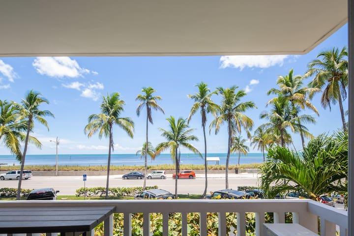 NEW! ~ Beachfront Breeze ~ Waterfront Beach Condo!