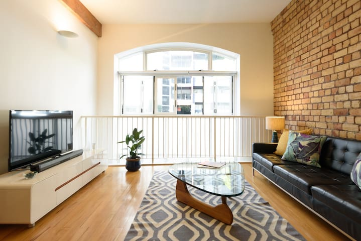 Spacious Light-filled Central Character Apt
