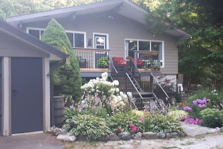 Hilltop garden cottage