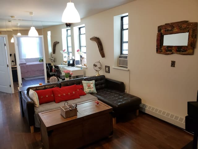 Cozy apartment near Central Park